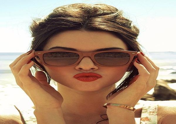 Kẻ viền môi và kết hợp với màu son phù hợp sẽ giúp môi trông đầy đặn hơn