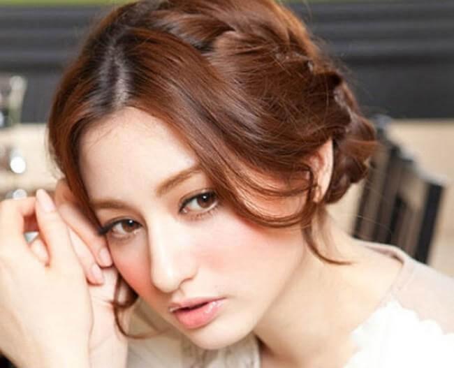 Make-up cho mình một mái tóc thật xinh nhưng đơn giản ngay tại nhà có khó không?