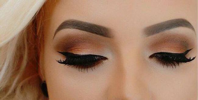 Đôi mắt đẹp và cuốn hút không thể thiếu một màu phấn mắt đúng không nào!