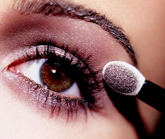 Make-up một đôi mắt thật đẹp để bạn gái nào cũng đều có thể tỏa sáng