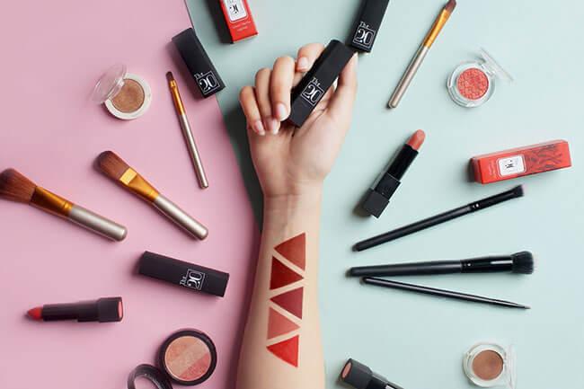 Bí quyết chọn màu son môi phù hợp đơn giản cho bạn gái