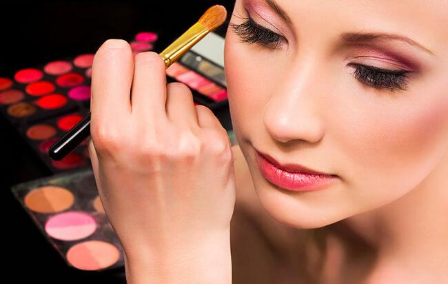 Make-up với phấn mắt cũng có thể cho bạn sự cuốn hút và quyến rũ không ngờ