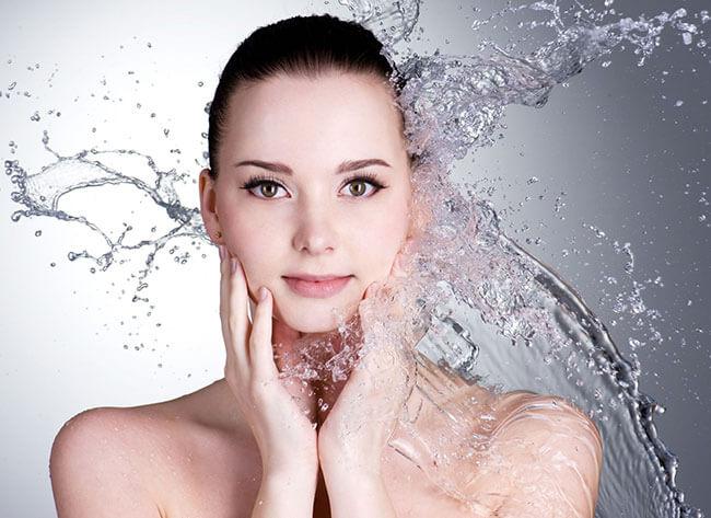 Làm sạch da mặt giúp da hấp thu dưỡng chất từ mặt nạ dễ dàng hơn