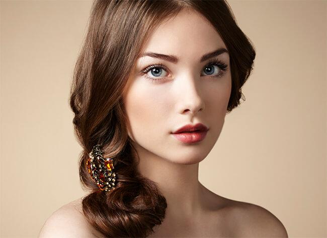 Lớp kem nền sẽ cho bạn làn da mướt mịn, sáng đẹp dễ dàng cho việc make-up