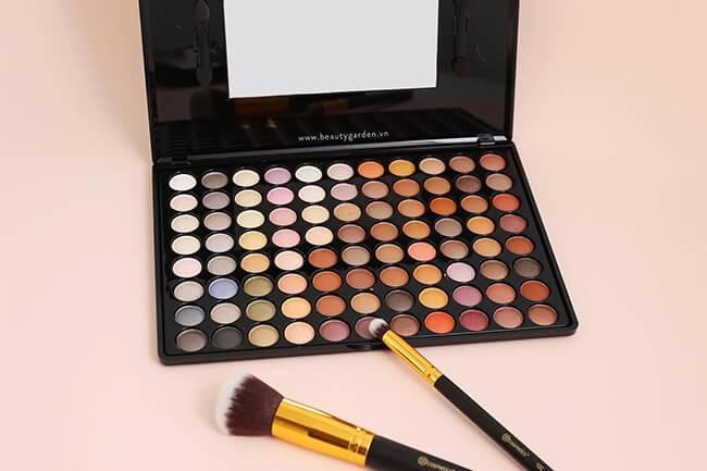 Bạn hãy ghé Beauty Garden để lựa chọn sản phẩm phấn mắt 88 màu BH Cosmetics chính hãng cho mình nhé!