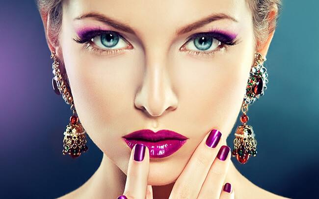 Phấn mắt tím là một trong những màu phấn mắt phù hợp với mọi màu da phái đẹp