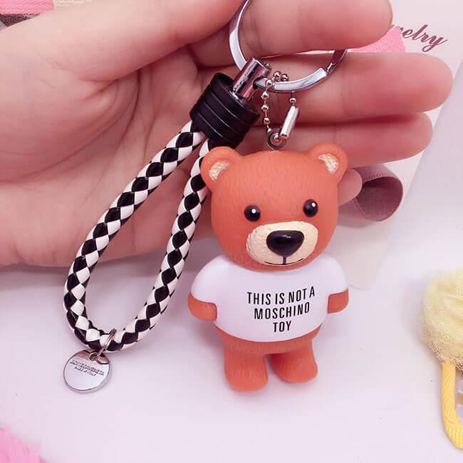 Móc khóa nhỏ dễ thương sẽ là món quà 20-10 tặng bạn thân cực ý nghĩa