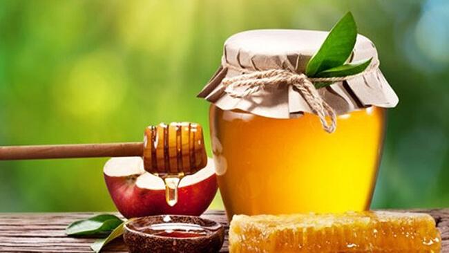 Mặt nạ dưỡng da tại nhà với mật ong nguyên chất
