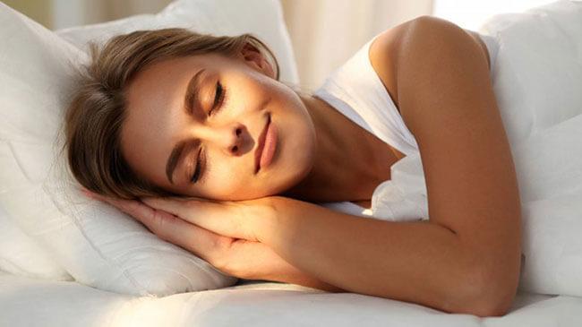 Ngủ đủ 8 tiếng mỗi ngày để cơ thể và làn da khỏe mạnh nhất
