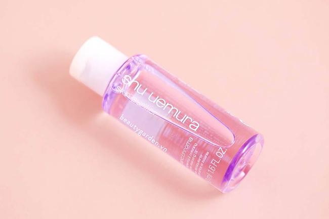 Sử dụng tẩy trang giúp da bạn luôn thông thoáng sạch sẽ