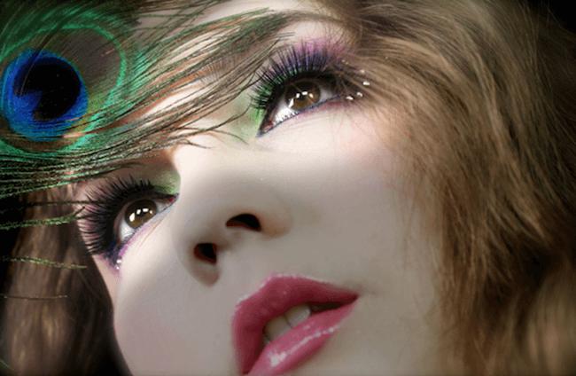 Một kiểu make up rất ấn tượng cho những cô nàng thích nổi bật