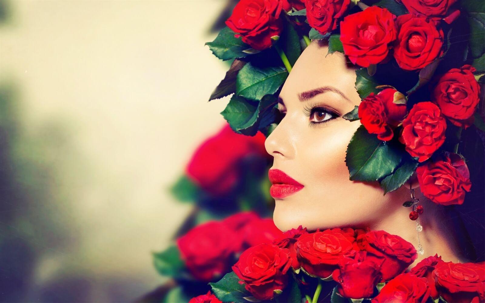 """Son môi chính là """"vị cứu tinh"""" của mọi cô gái"""