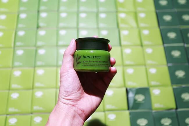 Kem dưỡng da chiết xuất từ trà xanh thiên nhiên