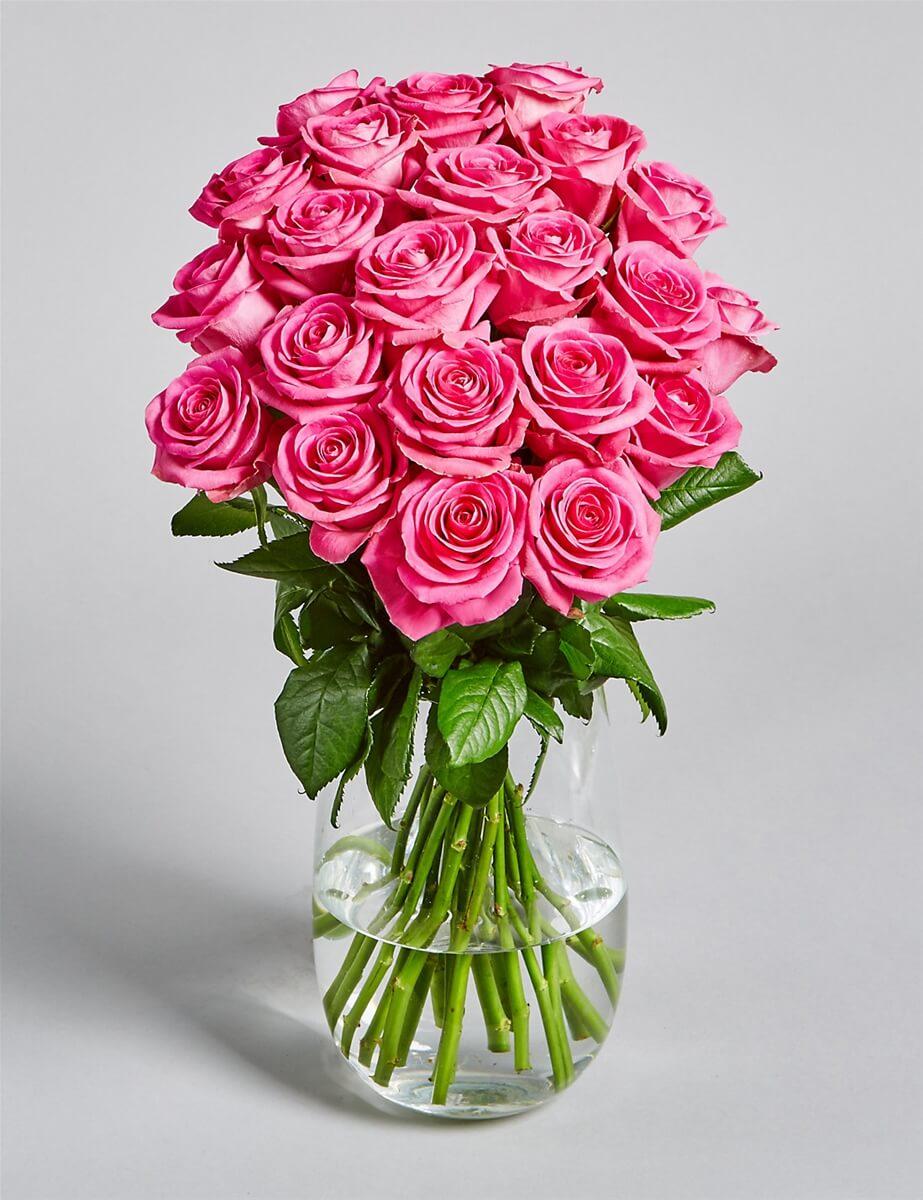 Một bó hoa tươi thắm dành tặng cô giáo dạy Văn của mình