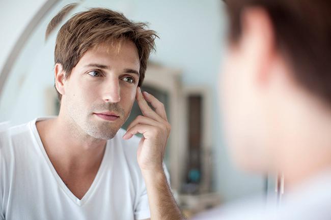 Sử dụng kem dưỡng trắng da dành cho nam giúp các chàng bảo vệ được da của mình