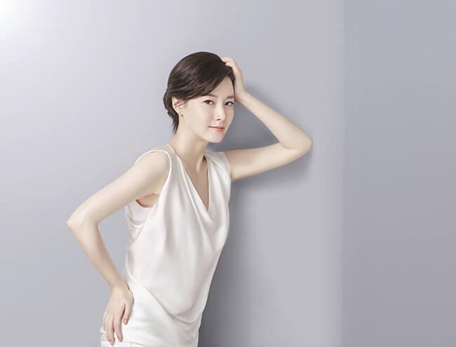 Sử dụng tinh chất dưỡng da để giúp da luôn sáng khỏe tự nhiên