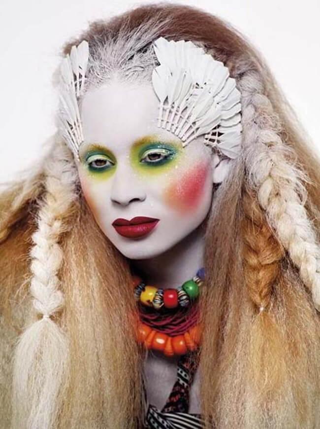 Trang điểm Halloween thành một cô nàng thổ dân da đỏ