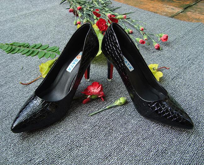 Một đôi giày cao gót sẽ là món quà 20-11 độc đáo dành tặng người giáo viên của bạn