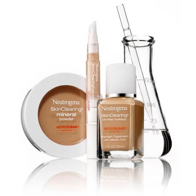 Kem nền cho da dầu và mụn được ưa chuộng nhất Neutrogena SkinClearing Oil-Free Makeup Blemish Treatment With Salicylic Acid