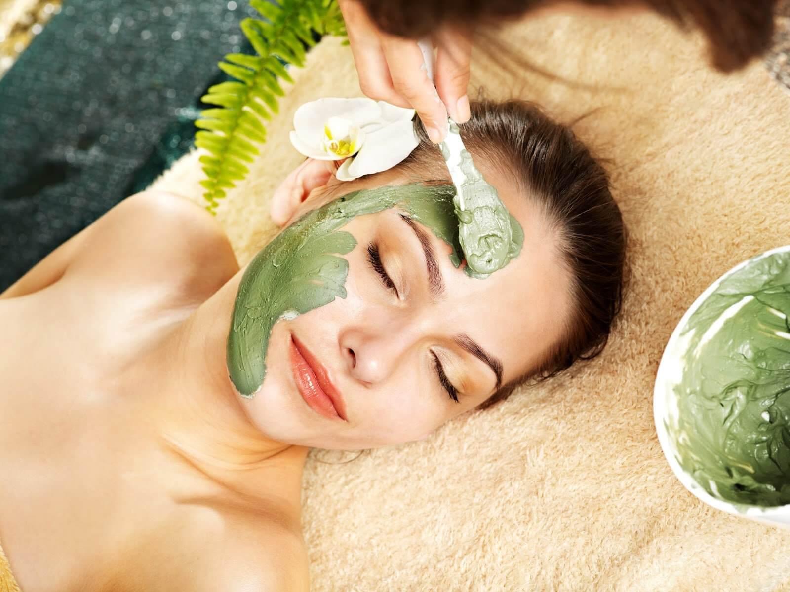 Sử dụng mặt nạ để giúp da luôn sáng khỏe tự nhiên