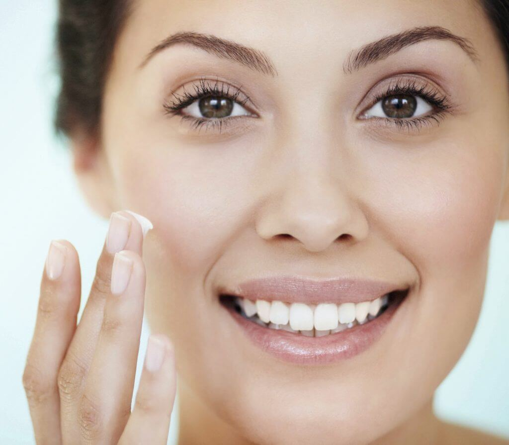 Kem dưỡng da đem lại làn da tươi trẻ cho vợ của bạn