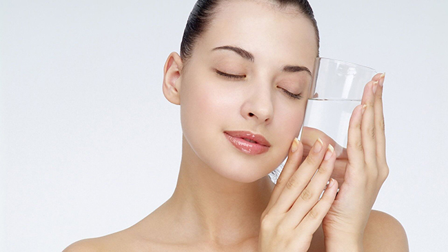 Uống nước nhiều - điều mà mỗi bạn gái không được quên