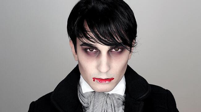 Nhân vật ma cà rồng dành cho bạn nam tham gia Halloween