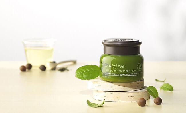 Kem dưỡng da chiết xuất từ trà xanh tốt cho quá trình làm đẹp của các chị em