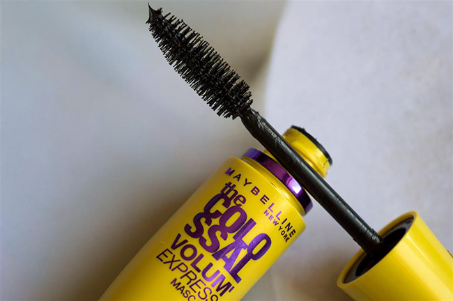 mascara maybelline the colossal volum express 8ml hinh anh 4