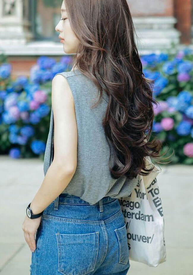 Dùng máy làm tóc nhiều sẽ gây tổn hại cho tóc tự nhiên